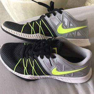 Nike Zoom Training shoe 👟 swoosh! 😎